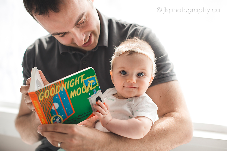 Baby Reading, goodnight moon