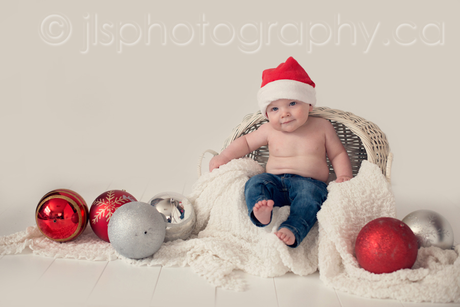 5 month old Christmas photos, Christmas themed baby photos