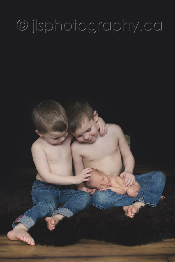 Brotherly love, 3 brothers