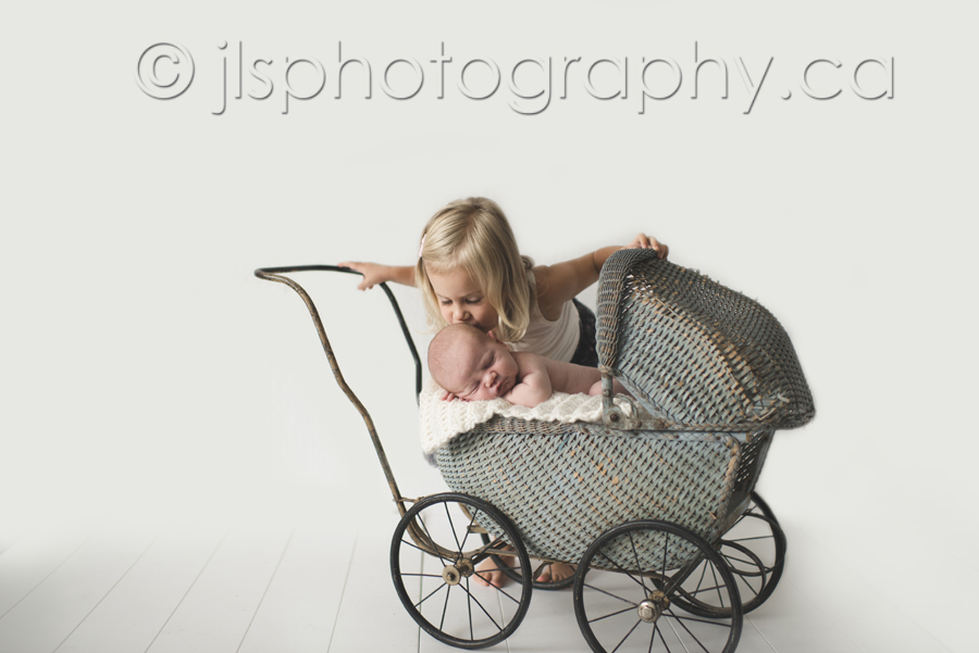 Newborn and big sister, Vintage Pram Newborn Prop